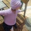 Pletený svetr a čepička pro dceru